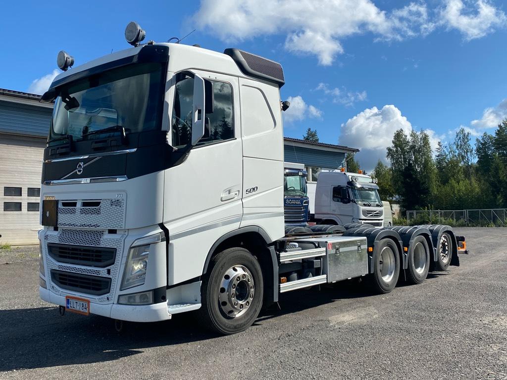 Volvo FH13 8x4 tridem alusta, Kuorma-autoalustat, Kuljetuskalusto