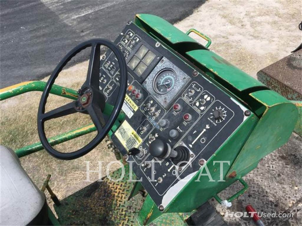 Barber-Greene BG-260C, Asphalt pavers, Construction
