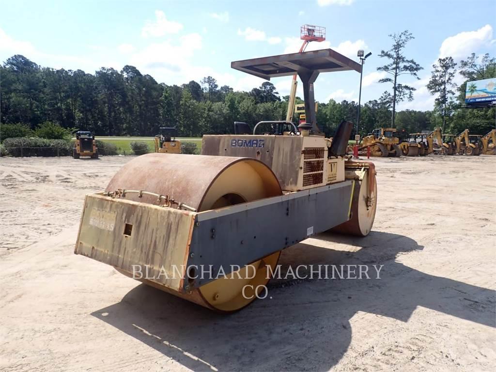 Bomag BW11AS, Compactadores, Equipamentos Construção