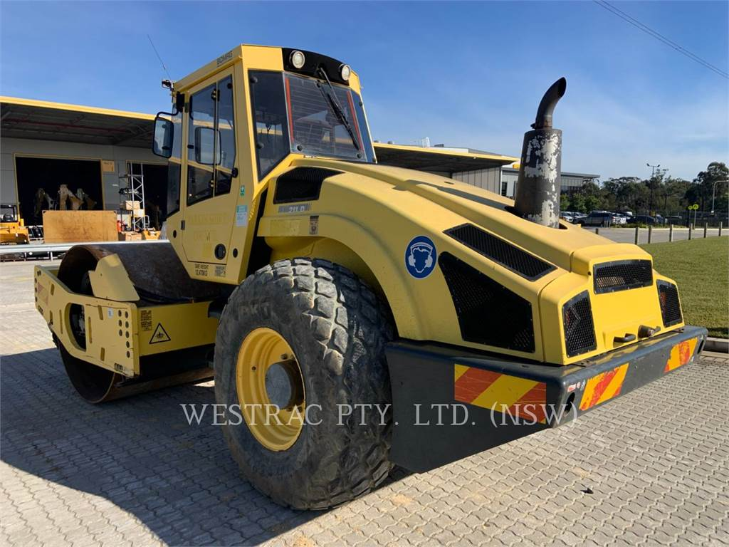 Bomag BW211 D4, Single drum rollers, Construction