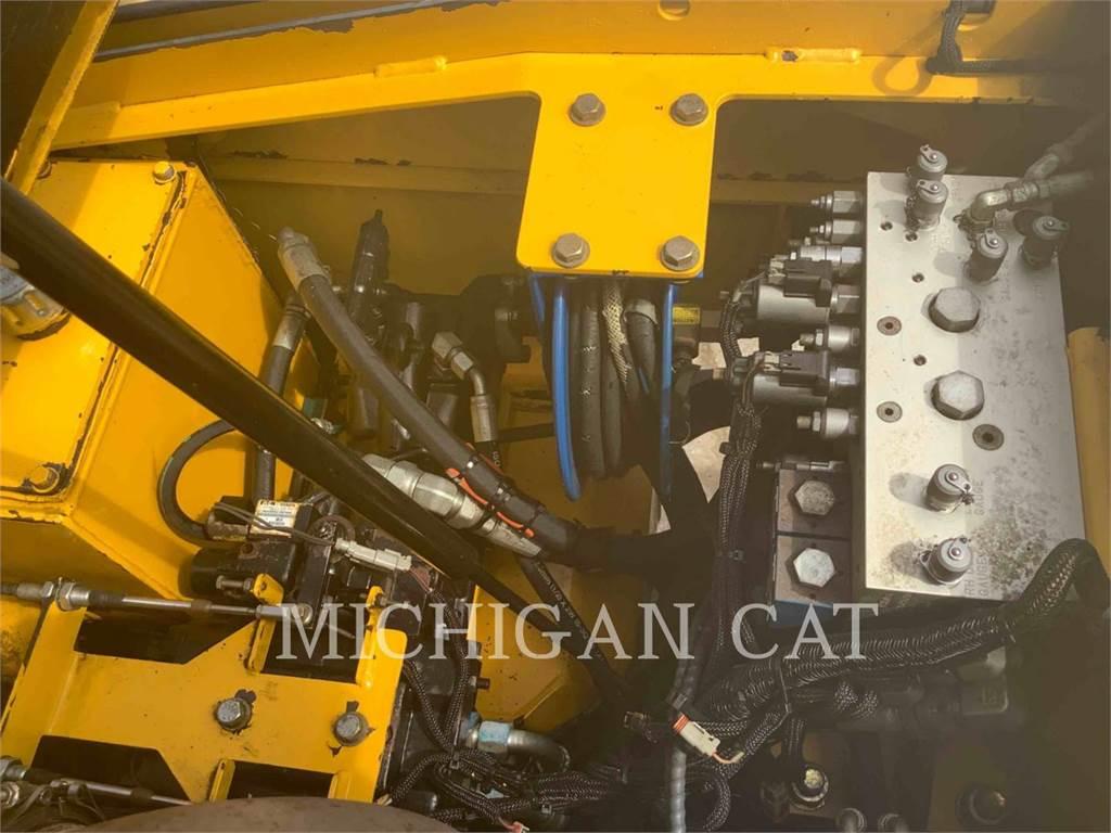 Carlson CP100, Asphalt pavers, Construction