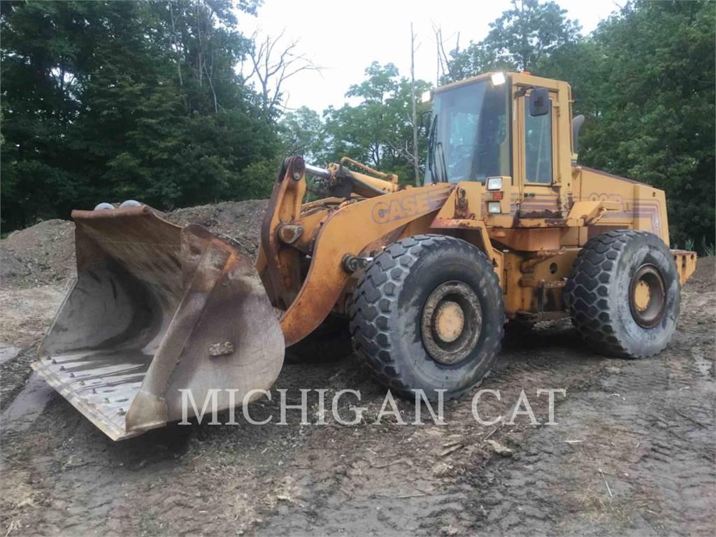 CASE 821B, Cargadoras sobre ruedas, Construcción
