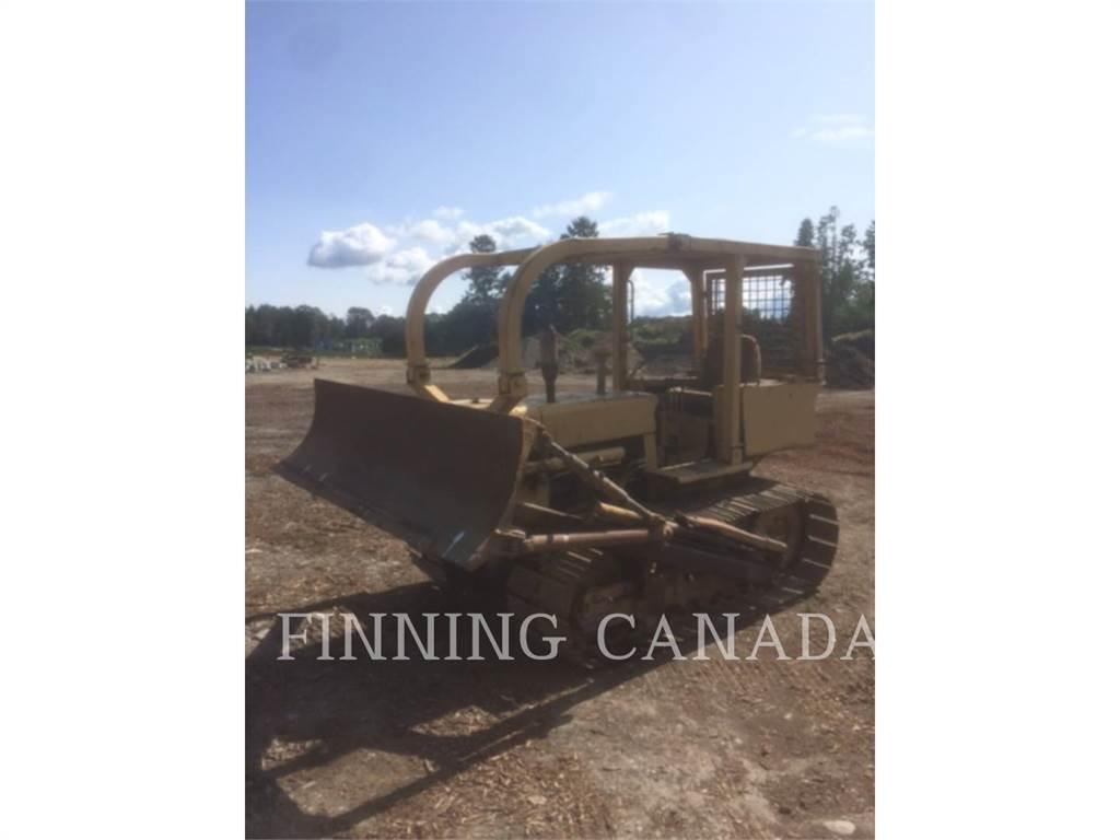 CASE D450, Dozers, Construction