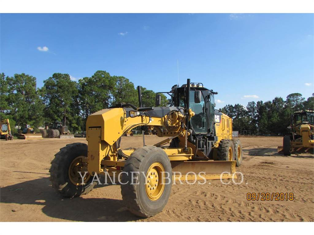 Caterpillar 12M2, motor graders, Construction