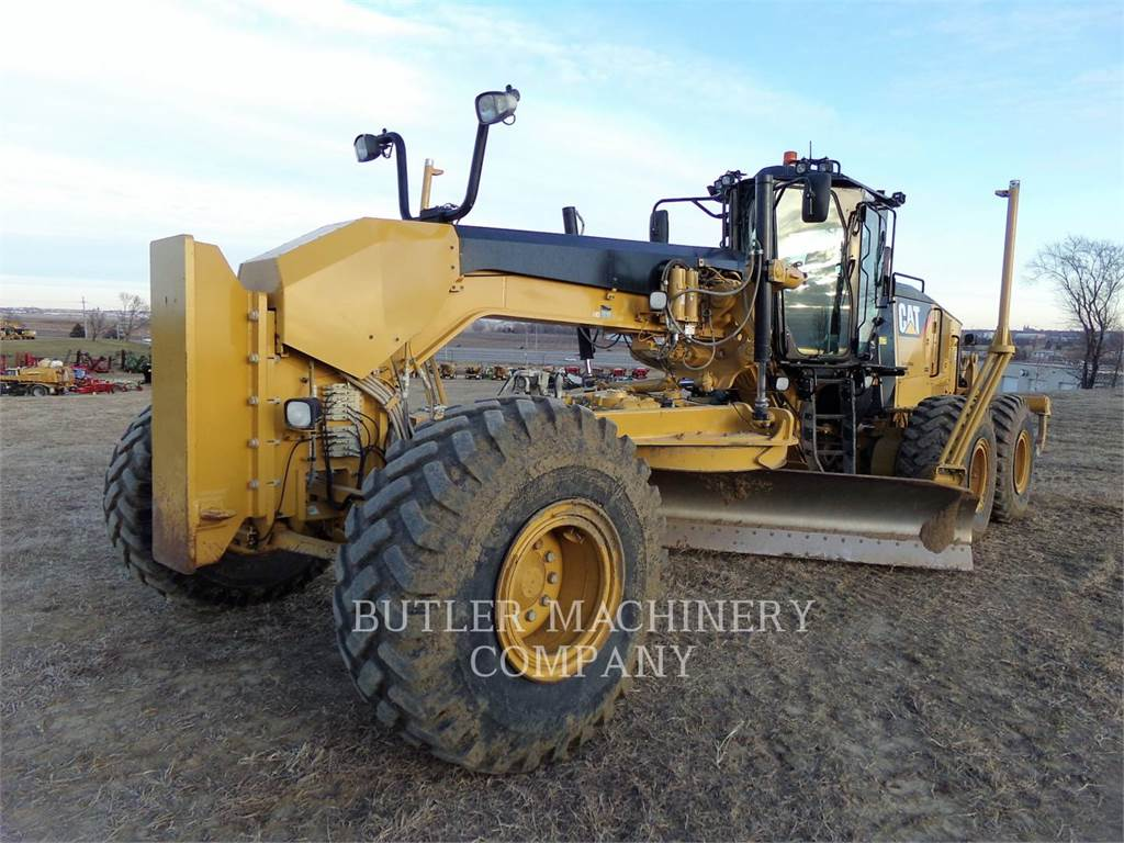 Caterpillar 16M, autogreder minier, Constructii