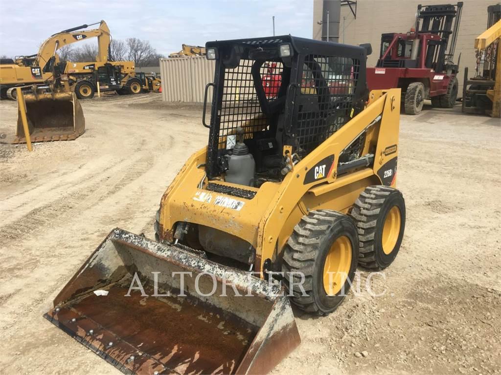 Caterpillar 226B3, Minicargadoras, Construcción