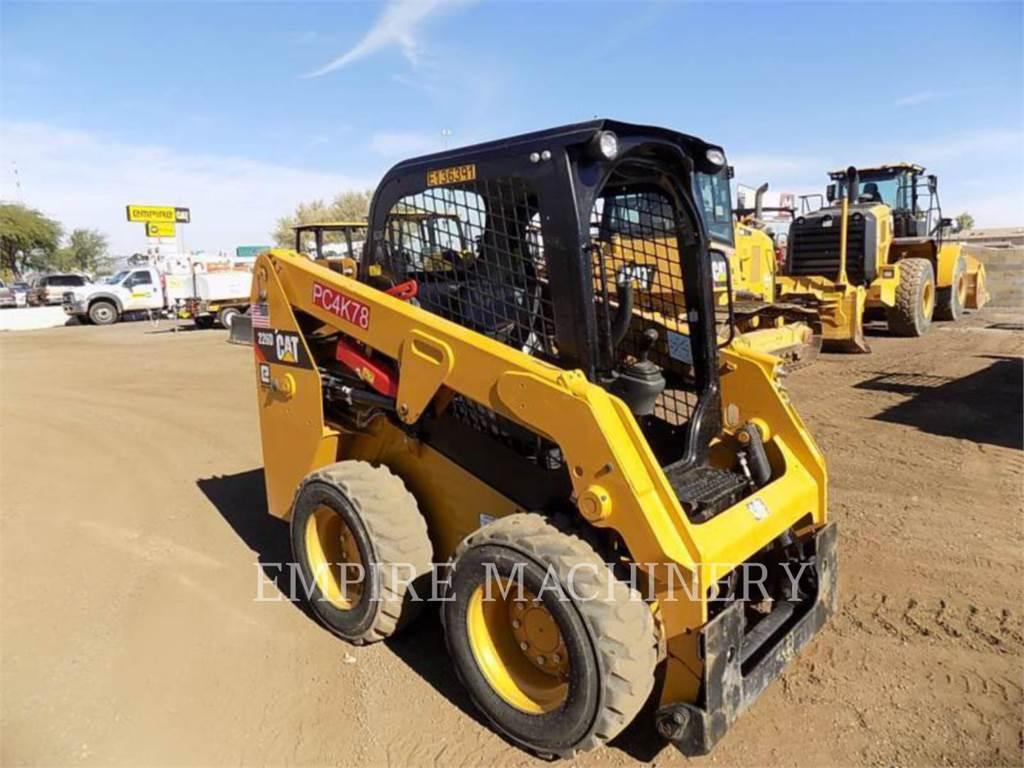 Caterpillar 226D、スキッドステアローダー、建設