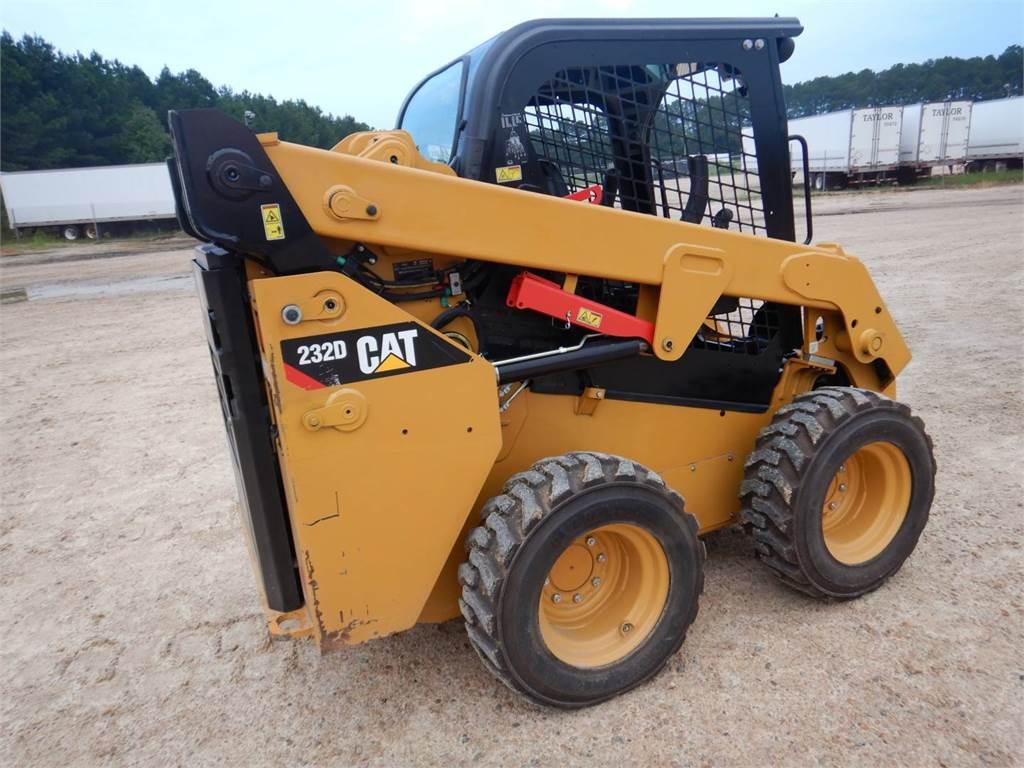 Caterpillar 232 D, Mini incarcator, Constructii