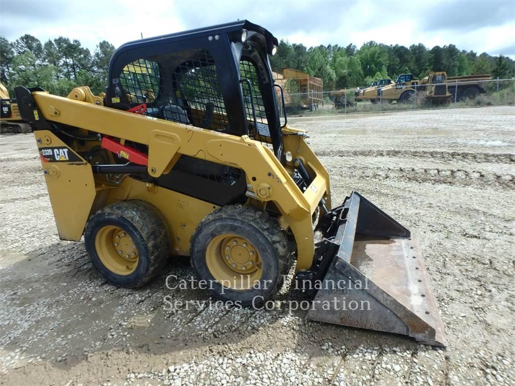 Caterpillar 232D、滑移装载机、建筑设备