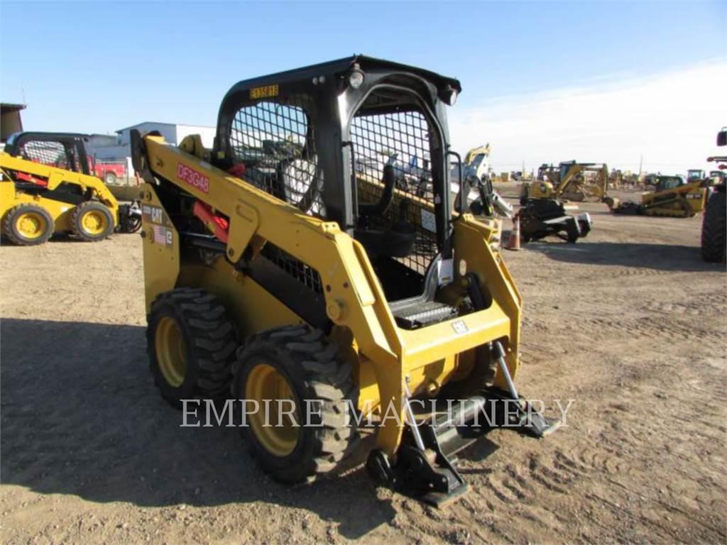 Caterpillar 232D、スキッドステアローダー、建設