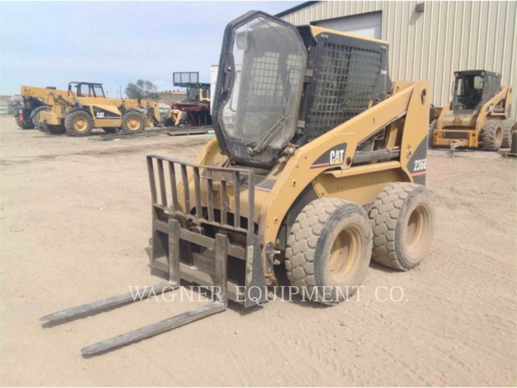 Caterpillar 236B, Mini incarcator, Constructii