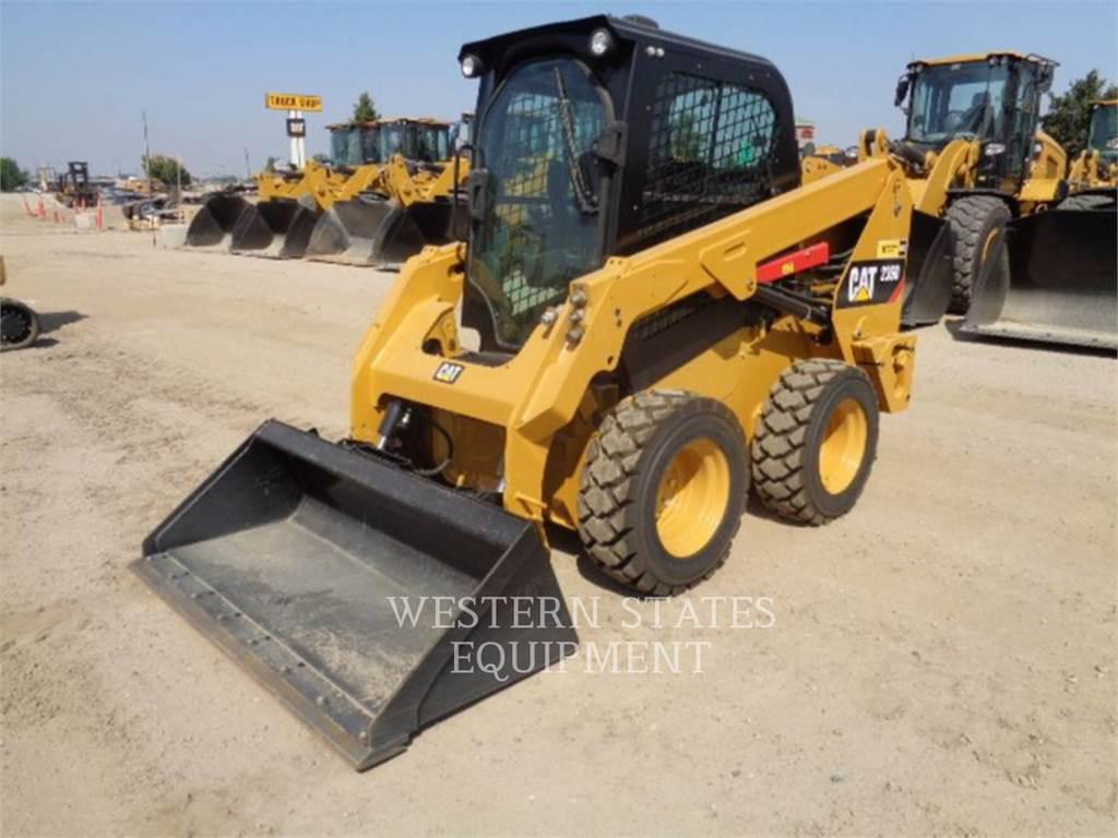 Caterpillar 236D、スキッドステアローダー、建設