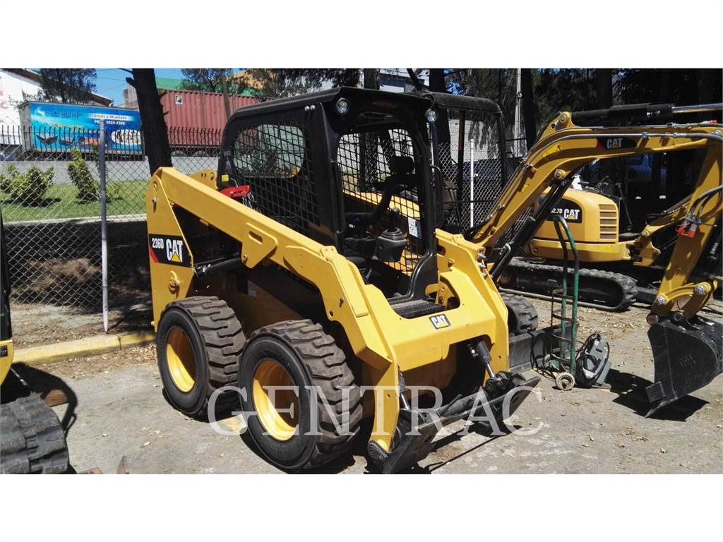 Caterpillar 236DLRC, Mini incarcator, Constructii