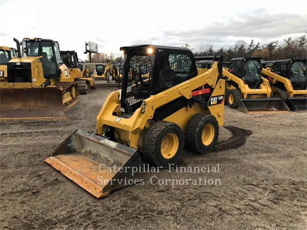 Caterpillar 242D、スキッドステアローダー、建設