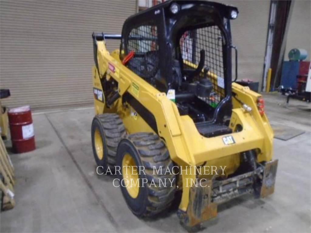 Caterpillar 242D、滑移装载机、建筑设备