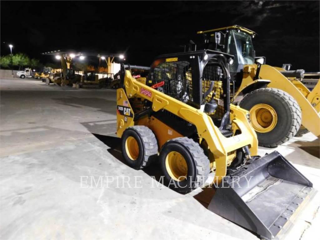 Caterpillar 242D, Minicargadoras, Construcción