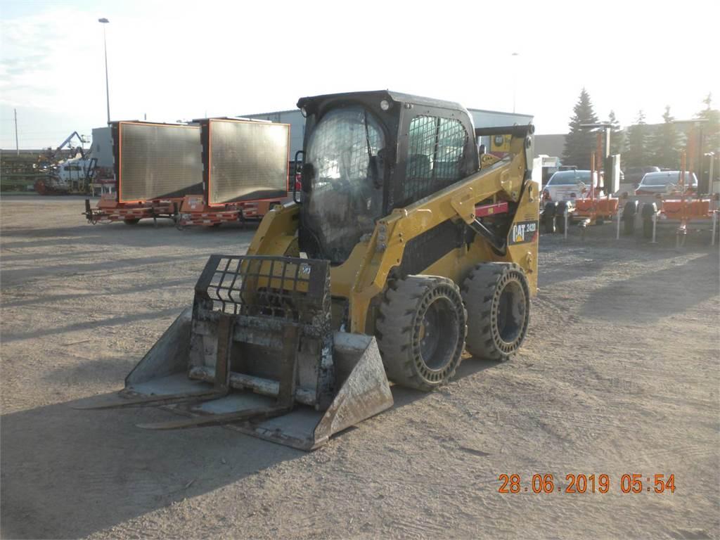 Caterpillar 242DLRC, Skid Steer Loaders, Construction