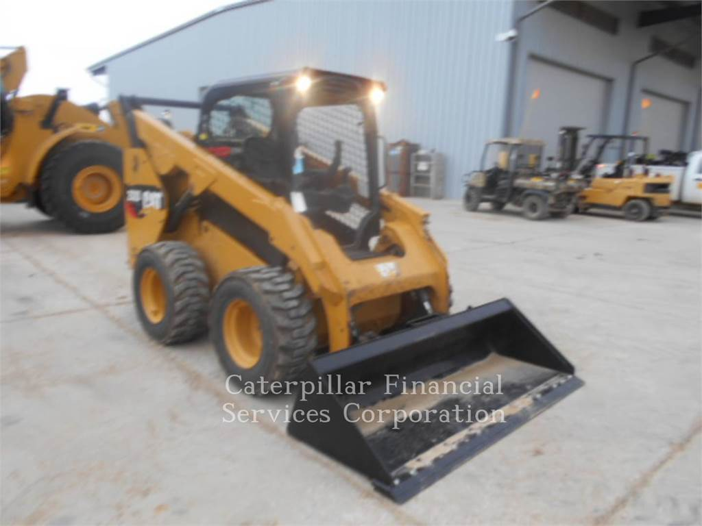 Caterpillar 262D, Mini incarcator, Constructii