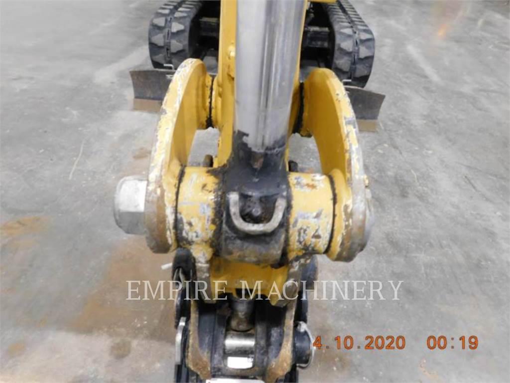 Caterpillar 301.7D, Excavadoras de cadenas, Construcción