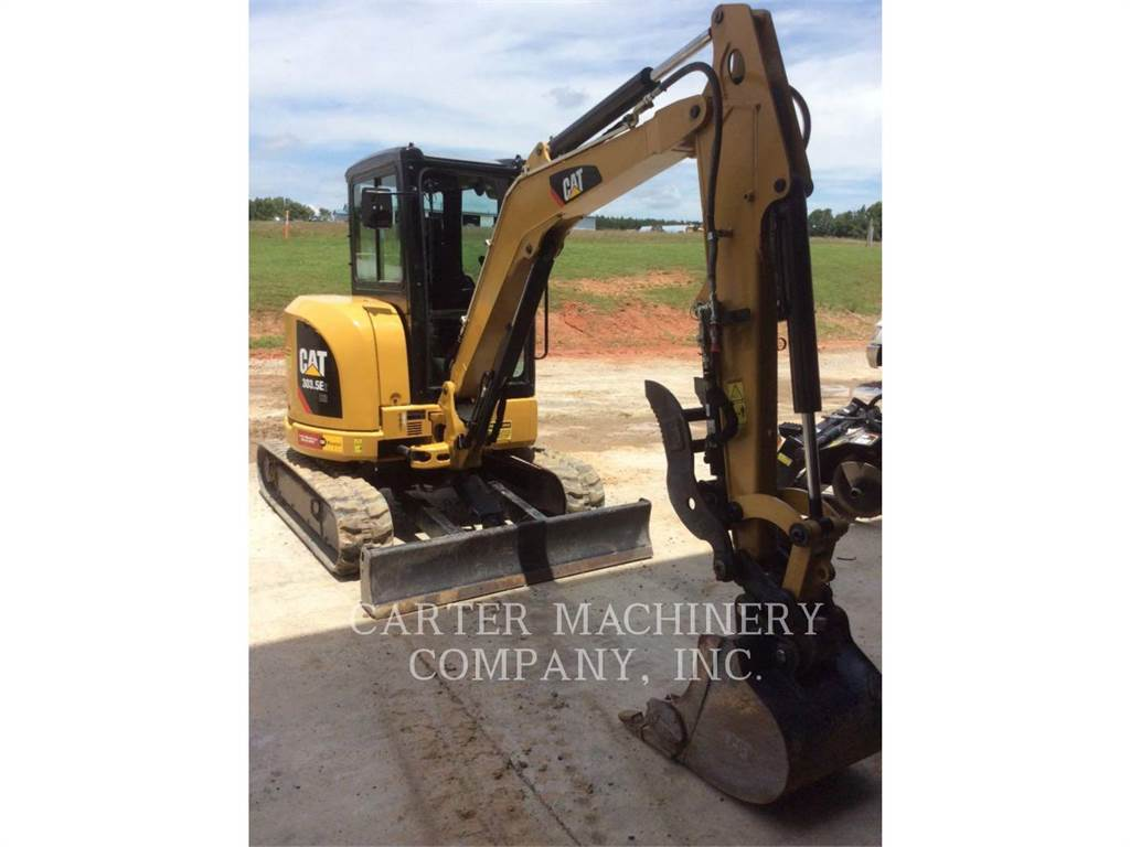 Caterpillar 303.5E2, Excavatoare pe senile, Constructii