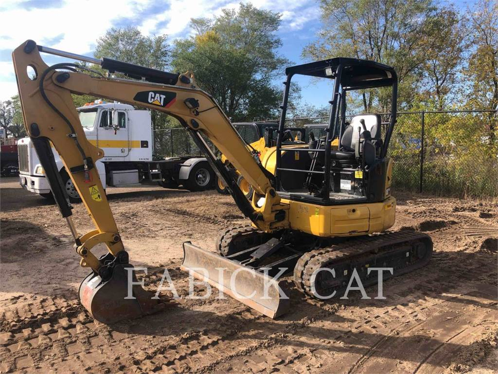 Caterpillar 303.5E2, Escavadoras de rastos, Equipamentos Construção