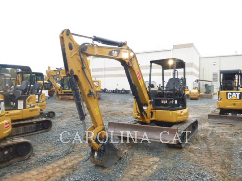 Caterpillar 305.5E2, Excavadoras de cadenas, Construcción