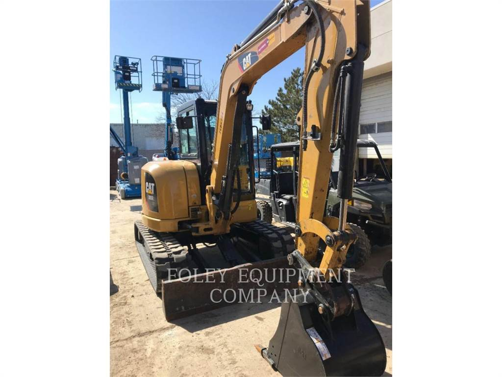 Caterpillar 305E2LC, Excavatoare pe senile, Constructii