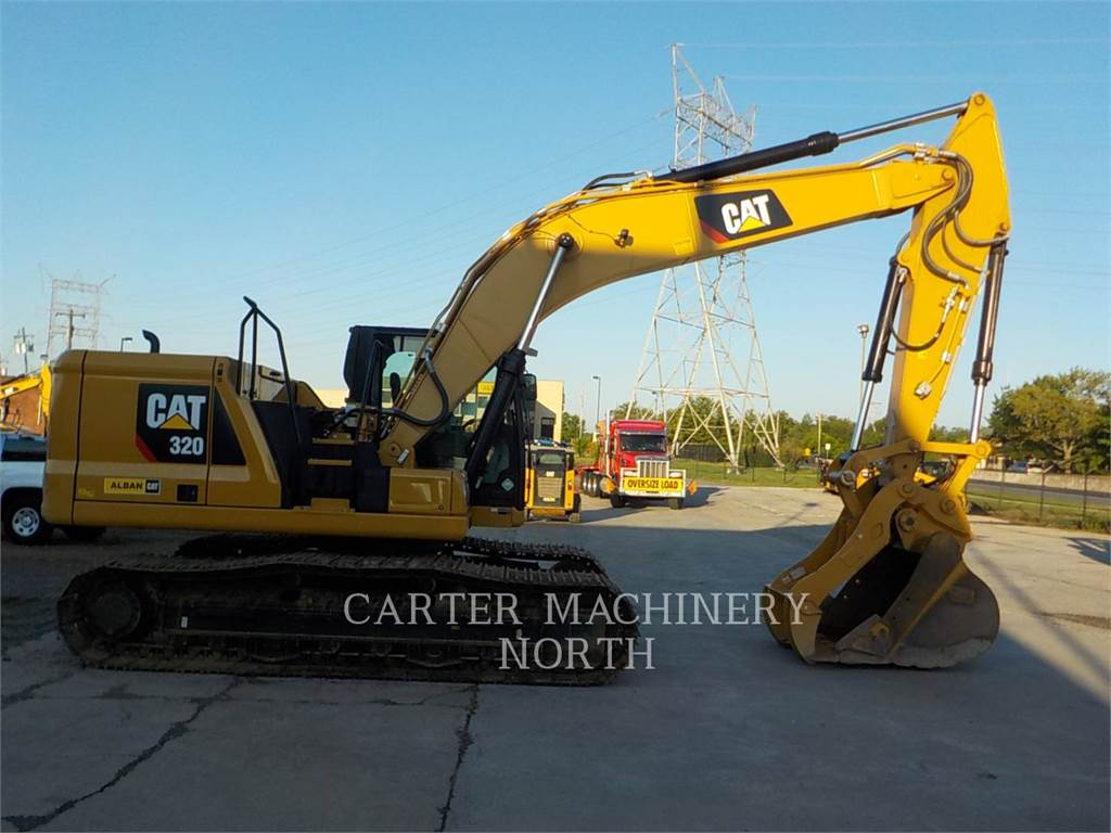 Caterpillar 320, Excavadoras de cadenas, Construcción