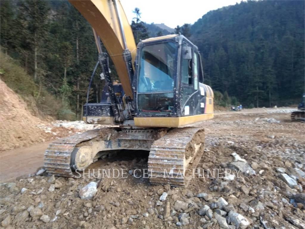 Caterpillar 320D2, Excavadoras de cadenas, Construcción
