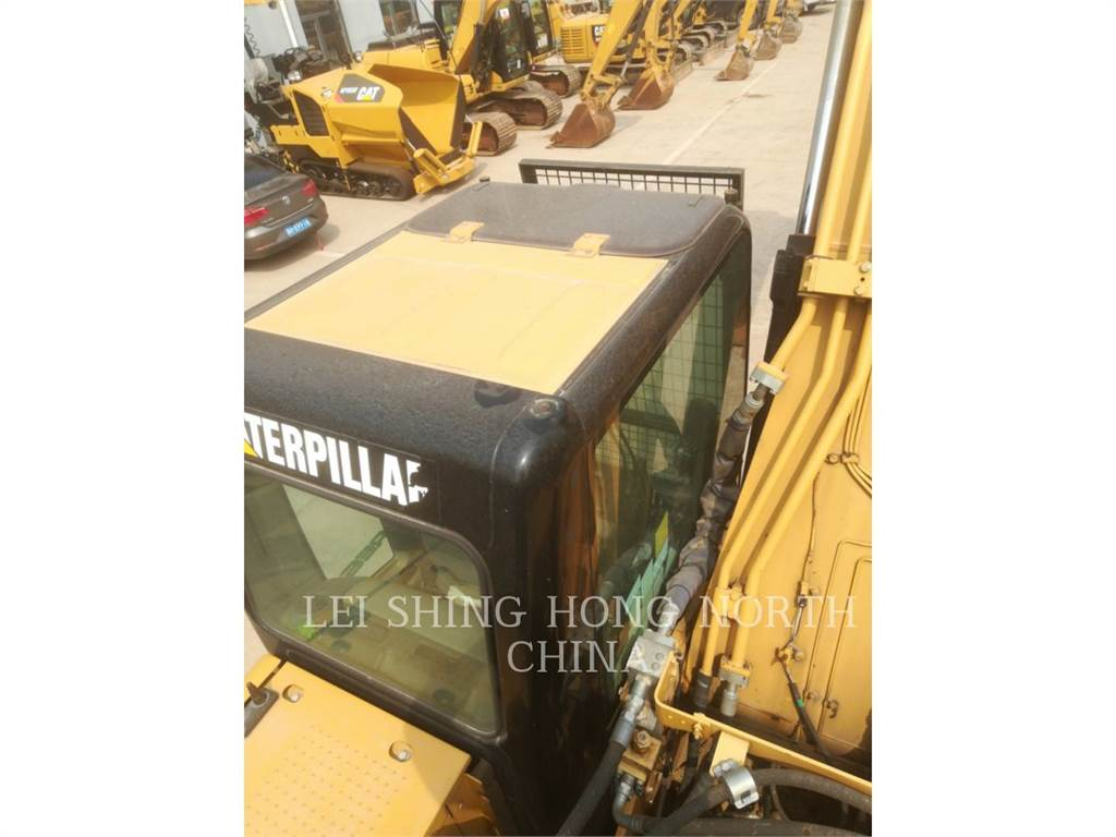 Caterpillar 320DL, Rupsgraafmachines, Bouw