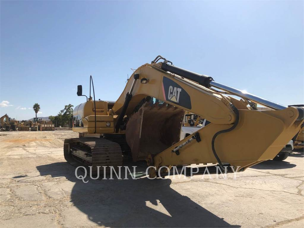 Caterpillar 320DL, Excavatoare pe senile, Constructii