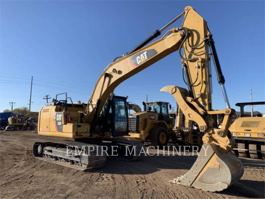 Caterpillar 320FL TH P, Excavatoare pe senile, Constructii