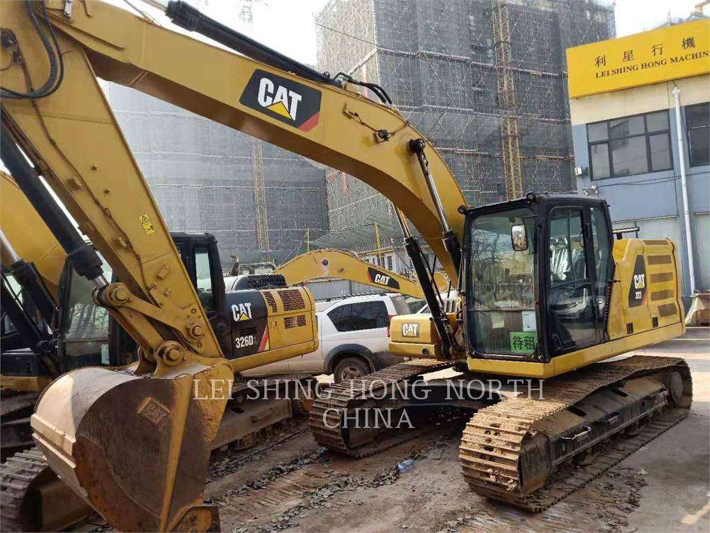 Caterpillar 323-07, Excavatoare pe senile, Constructii