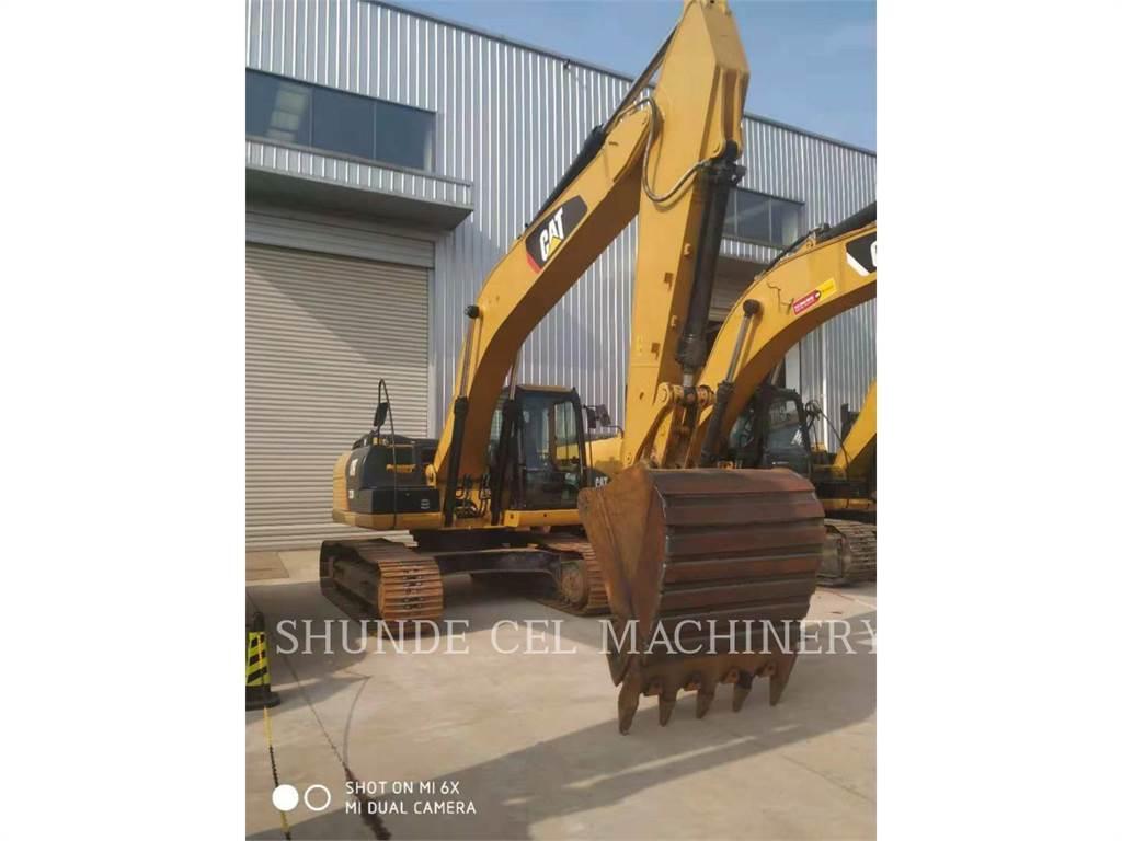 Caterpillar 323D2L, Excavadoras de cadenas, Construcción