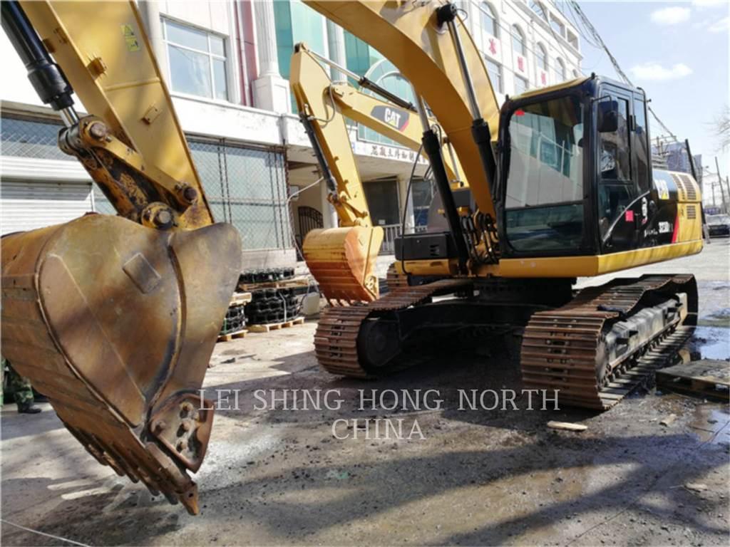 Caterpillar 323D2L, Excavatoare pe senile, Constructii