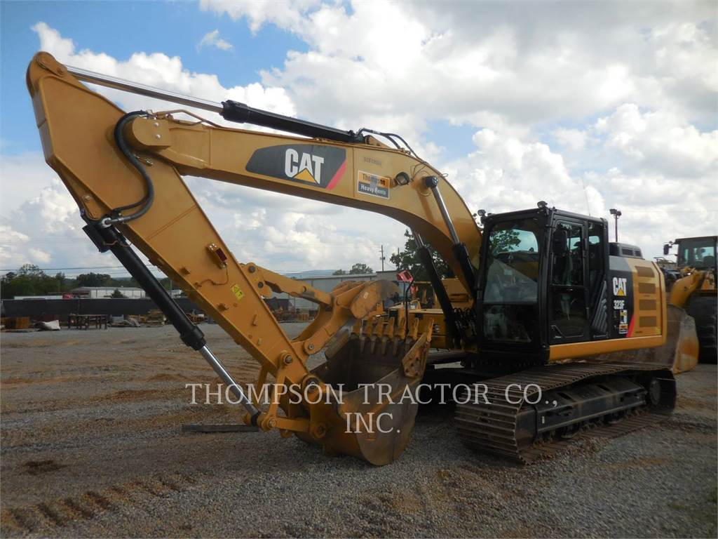 Caterpillar 323F, Excavatoare pe senile, Constructii