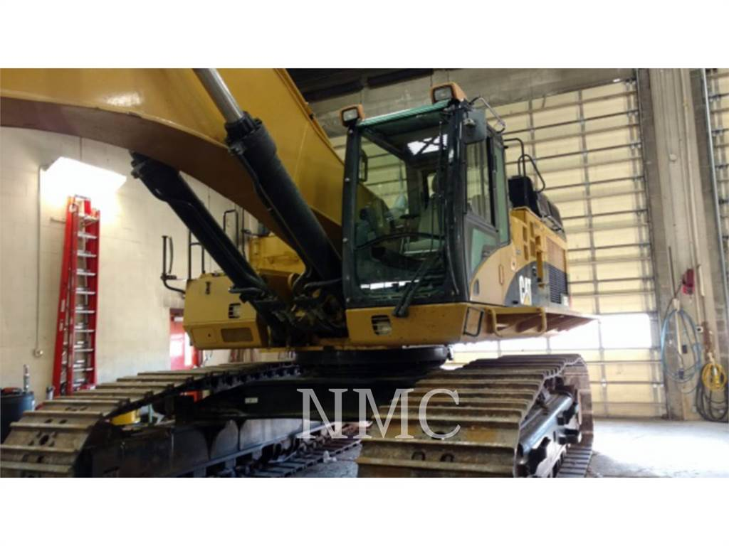Caterpillar 365CL, Crawler Excavators, Construction