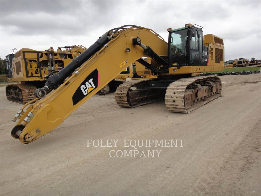 Caterpillar 374DL, Excavatoare pe senile, Constructii
