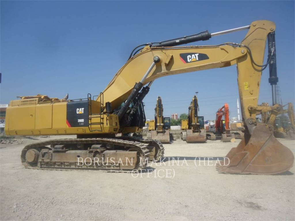 Caterpillar 390DL, Excavadoras de cadenas, Construcción