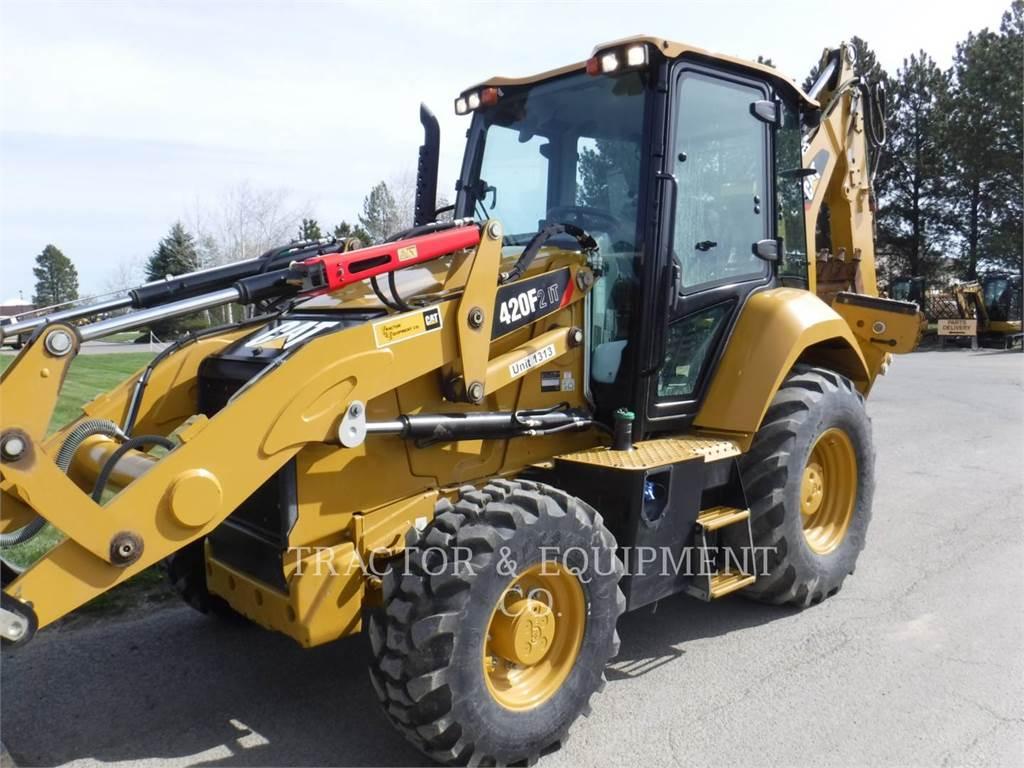 Caterpillar 420F24ETCB, buldoexcavatoare, Constructii