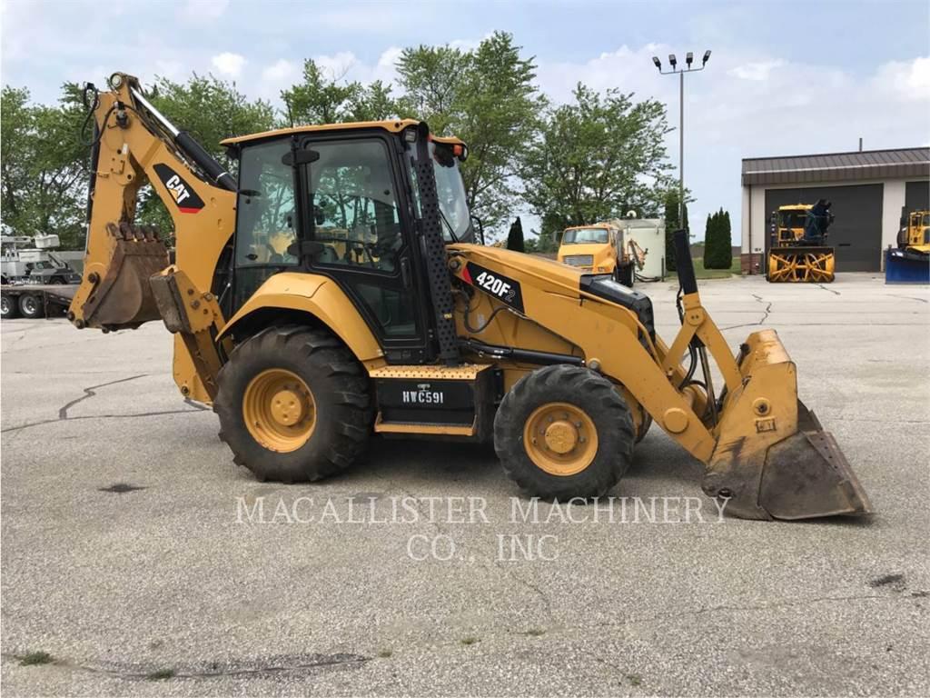 Caterpillar 420F2ST, buldoexcavatoare, Constructii