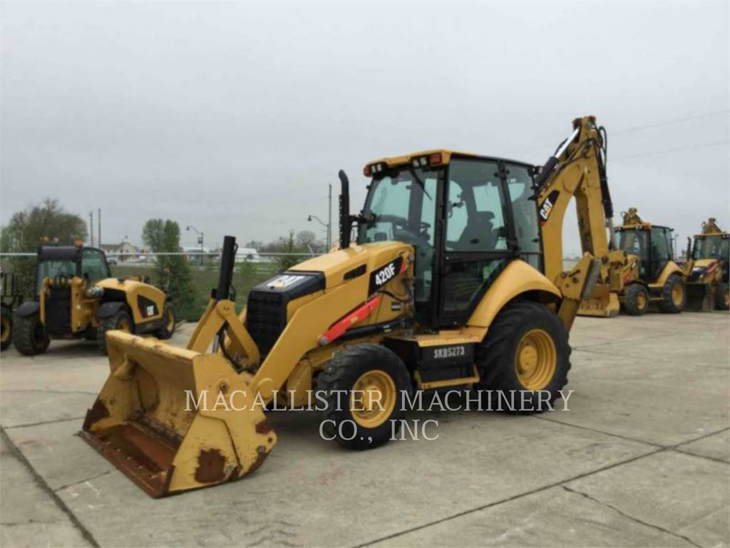 Caterpillar 420FST, buldoexcavatoare, Constructii