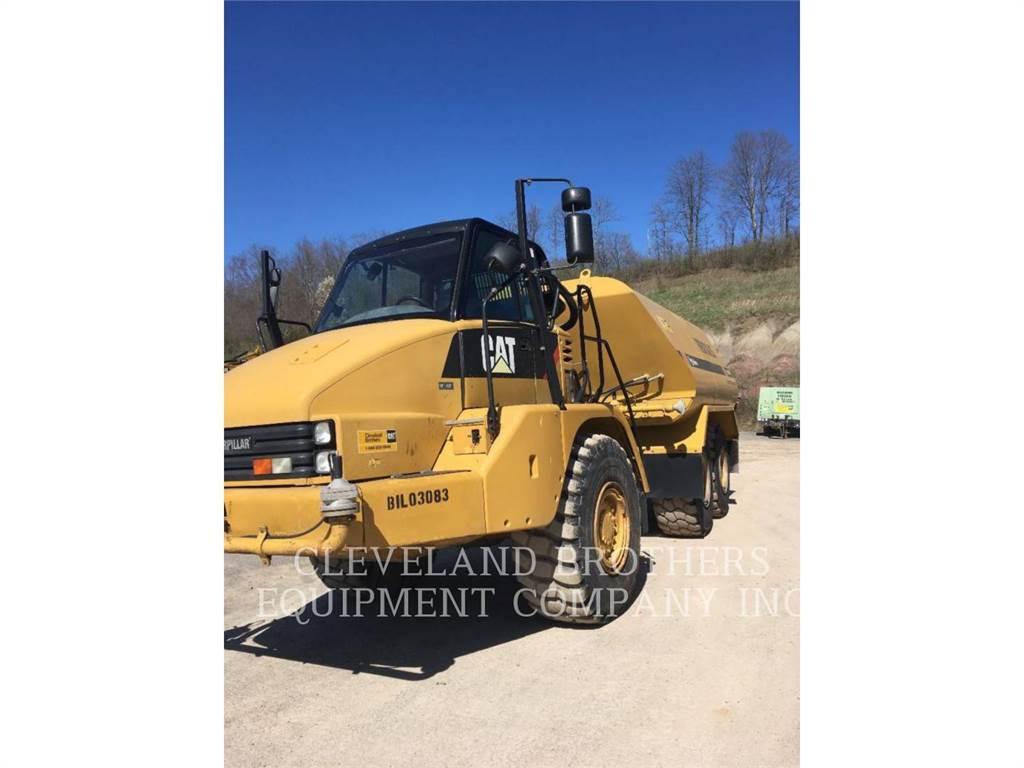Caterpillar 725 WW, Camiones cisterna, Construcción