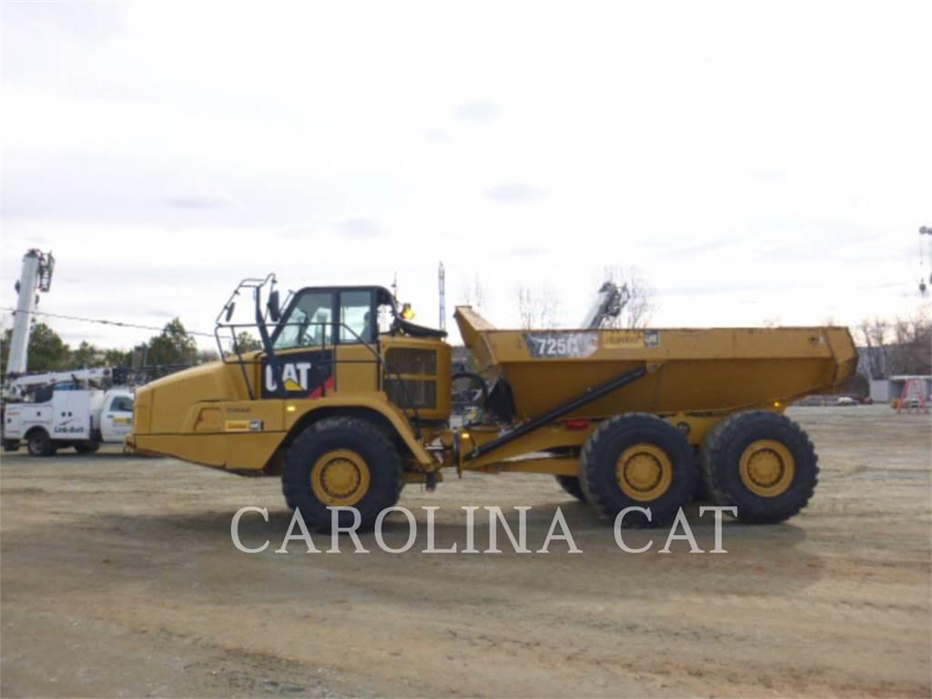 Caterpillar 725C, Dúmpers articulados, Construcción