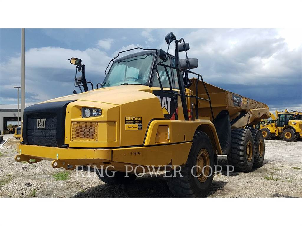 Caterpillar 725C2TG, Transportoare articulate, Constructii