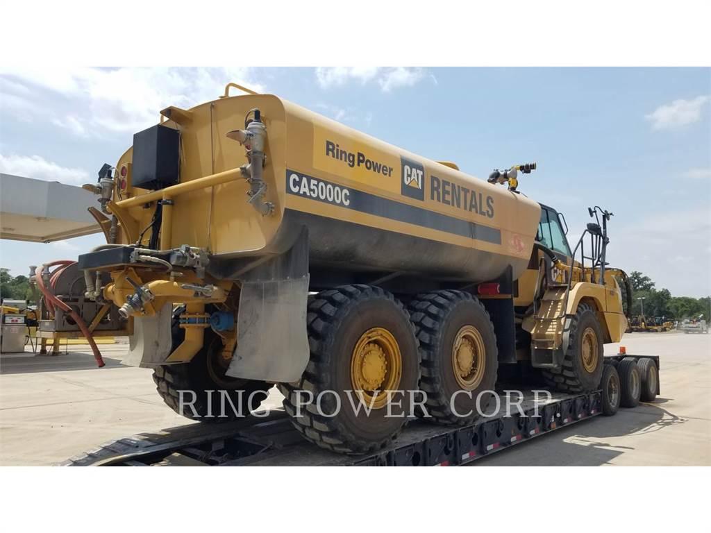 Caterpillar 725C2WW, Caminhões-cisterna, Transporte