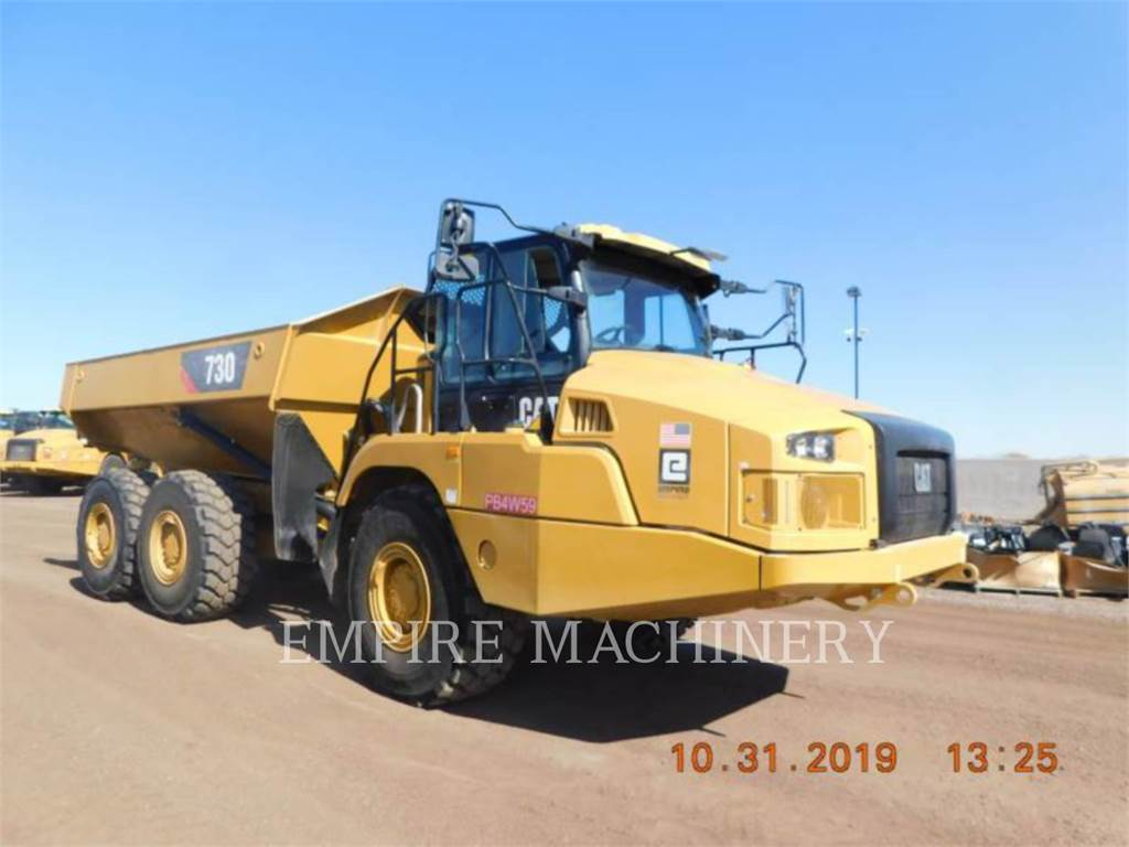 Caterpillar 730-04, Knik dumptrucks, Bouw