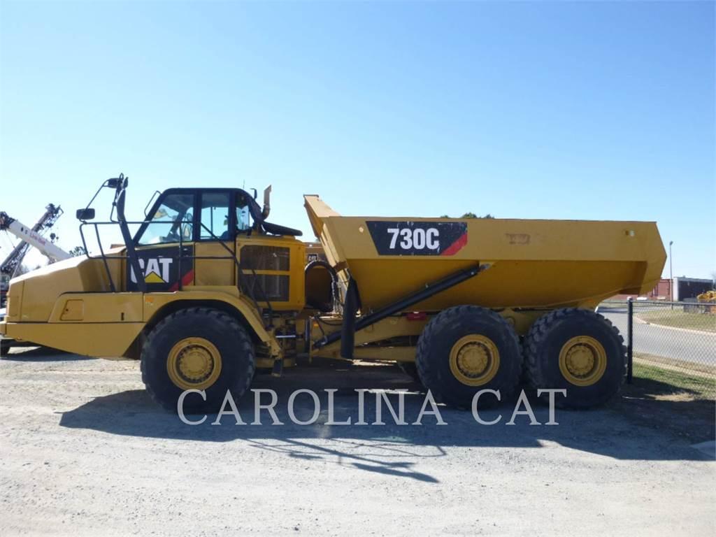 Caterpillar 730 C、アーティキュレート式ダンプトラック、建設