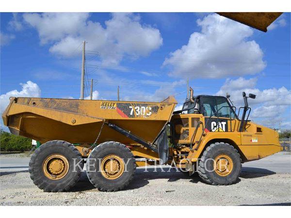 Caterpillar 730C、アーティキュレート式ダンプトラック、建設