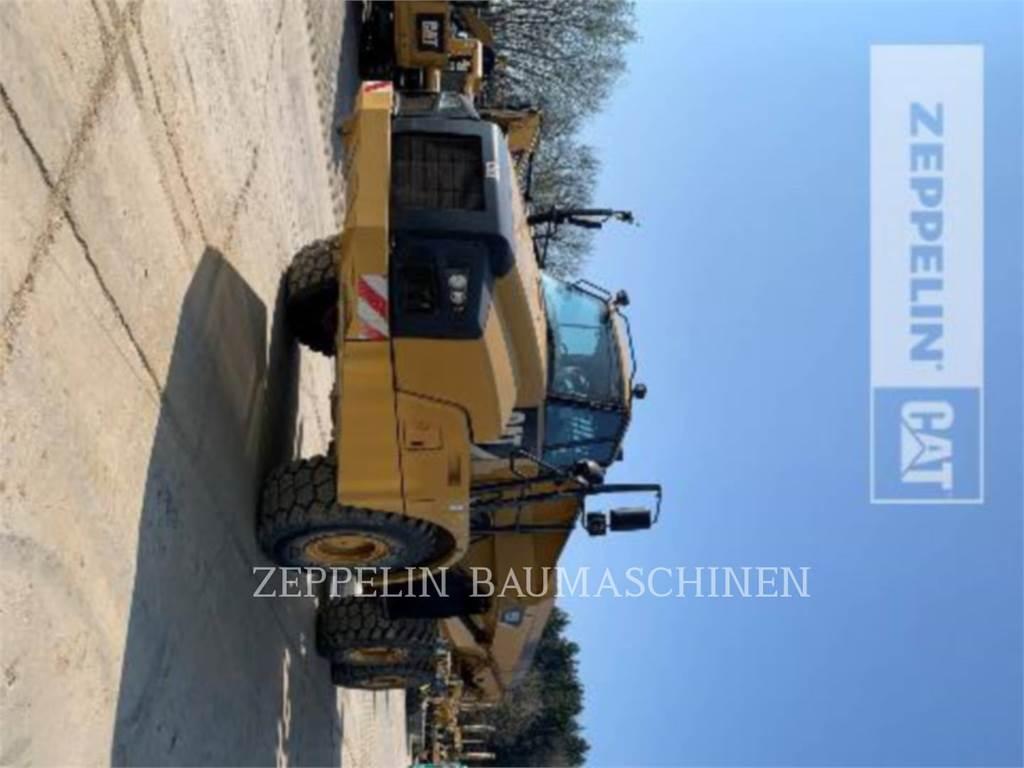 Caterpillar 735B, Knik dumptrucks, Bouw